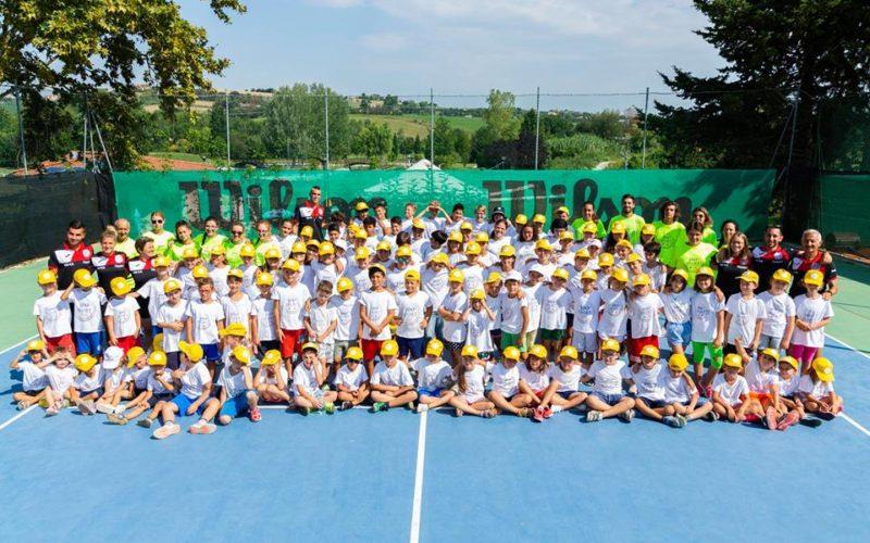 Aperte le iscrizioni ai centri estivi sportivi del Circolo Tennis Morciano: in programma lezioni di sport con insegnanti qualificati, gite in parchi acquatici e fattorie didattiche e laboratori